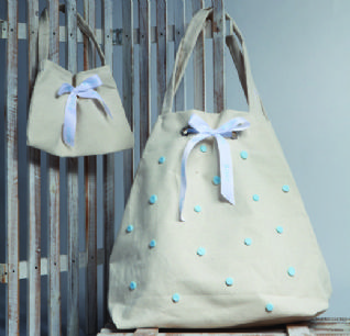 Christening cotton bag with light blue dots / Τσάντα βάπτισης βαμβακερή με πουά γαλάζιο.